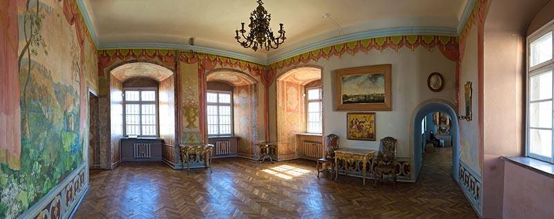 Олеський_замок_-_інтер'єр_3