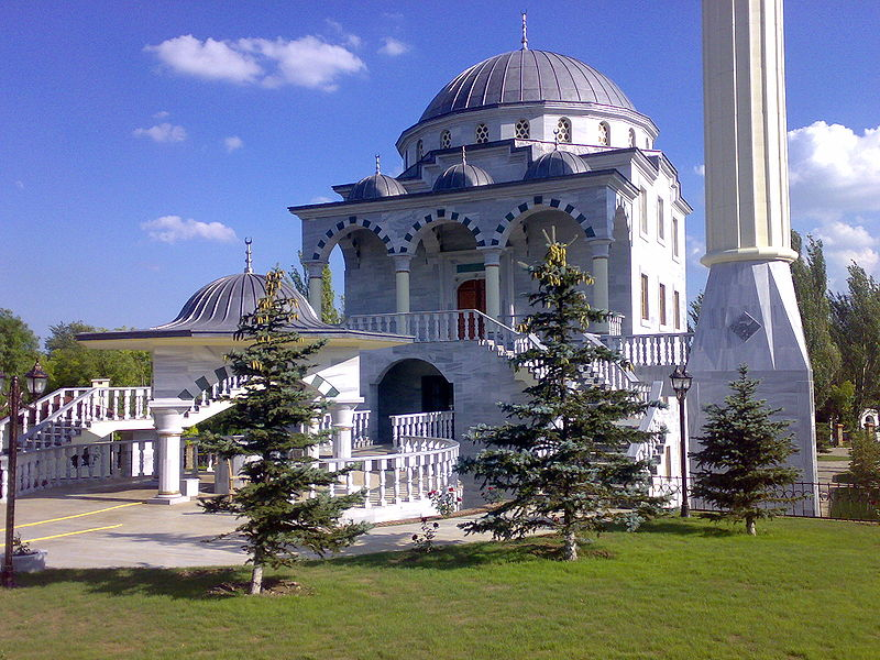 800px-Mosque_in_Mariupol
